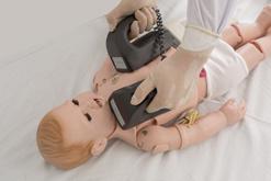 Тренажер обучения технике оказания первой помощи новорожденным